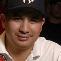 888poker ficha a la leyenda del póquer JC Tran