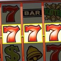 Slots y apuestas cruzadas: Los nuevos juegos y sus riesgos