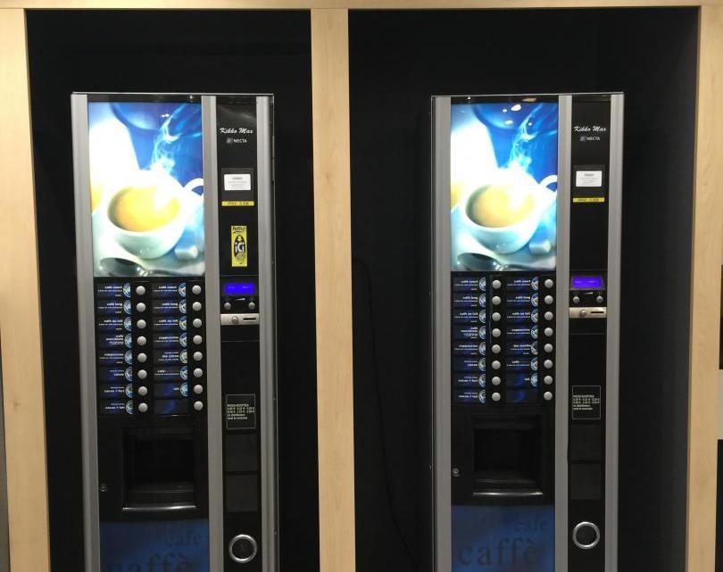 Installer des distributeurs automatiques dans son entreprise, pourquoi pas?