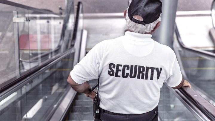 Pourquoi est-il avantageux pour les entreprises d'engager des agents de sécurité?