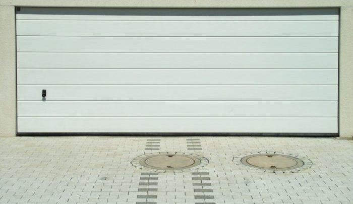 Comment installer une porte de garage motorisée?