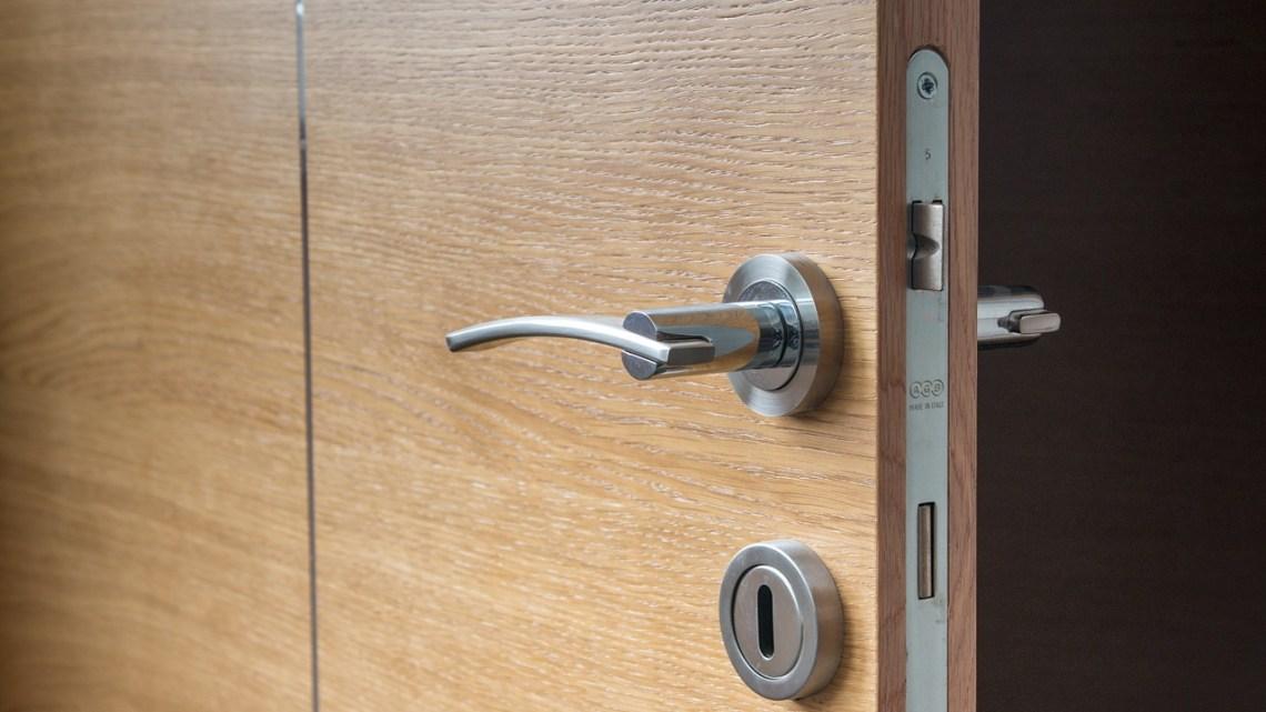 Solutions de porte d'entrée d'immeuble : quels types de serrures choisir ?