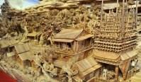 madeira escultura  Artista chinês faz incrível escultura em um tronco gigante