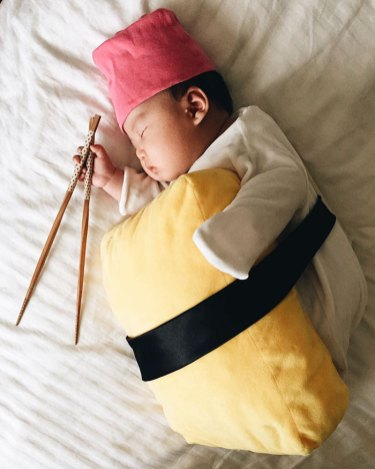 sleeping-baby-cosplay-joey-marie-laura-izumikawa-choi-16-57be9234c71c9__700