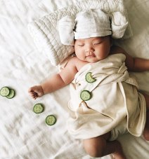 sleeping-baby-cosplay-joey-marie-laura-izumikawa-choi-2-57be9215ac65c__700