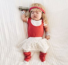 sleeping-baby-cosplay-joey-marie-laura-izumikawa-choi-28-57be92515e5df__700