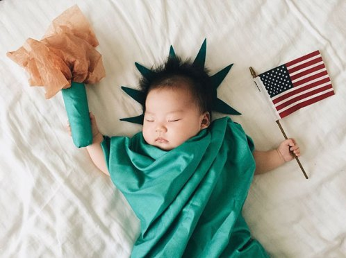 sleeping-baby-cosplay-joey-marie-laura-izumikawa-choi-29-57be92545d238__700