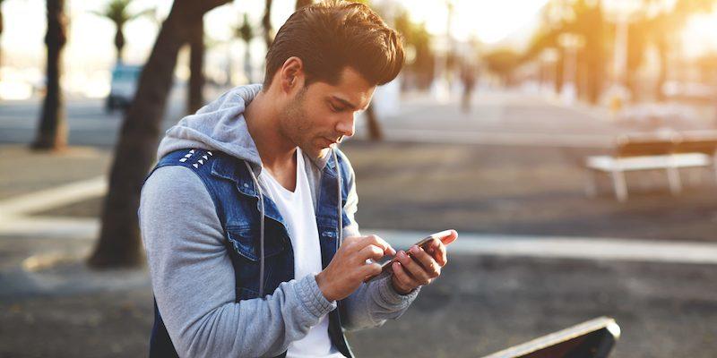 comment exciter un homme par SMS