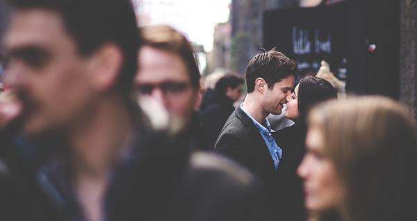 Retrouver une personne croisée dans la rue ' Happn bouscule le monde de la rencontre en ligne