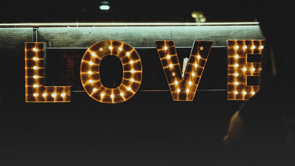 Comment Un Homme Tombe Amoureux