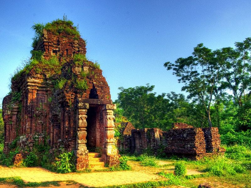 Explore Vietnam's heritage on your holiday