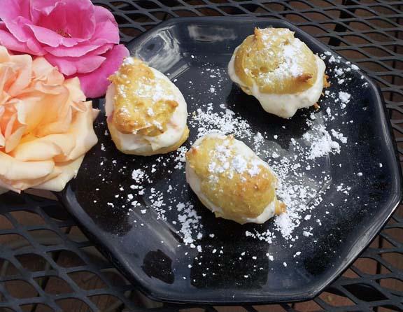 cream puffs with mascarpone filling