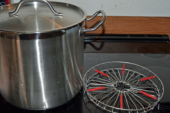 stock pot and canning rack