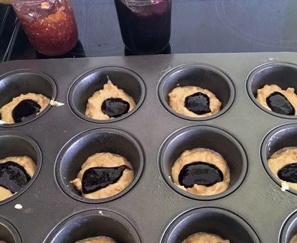 muffins with jelly