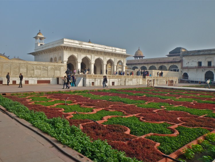 visit the agra fort ways to see the taj mahal is agra safe for women agra travel guide