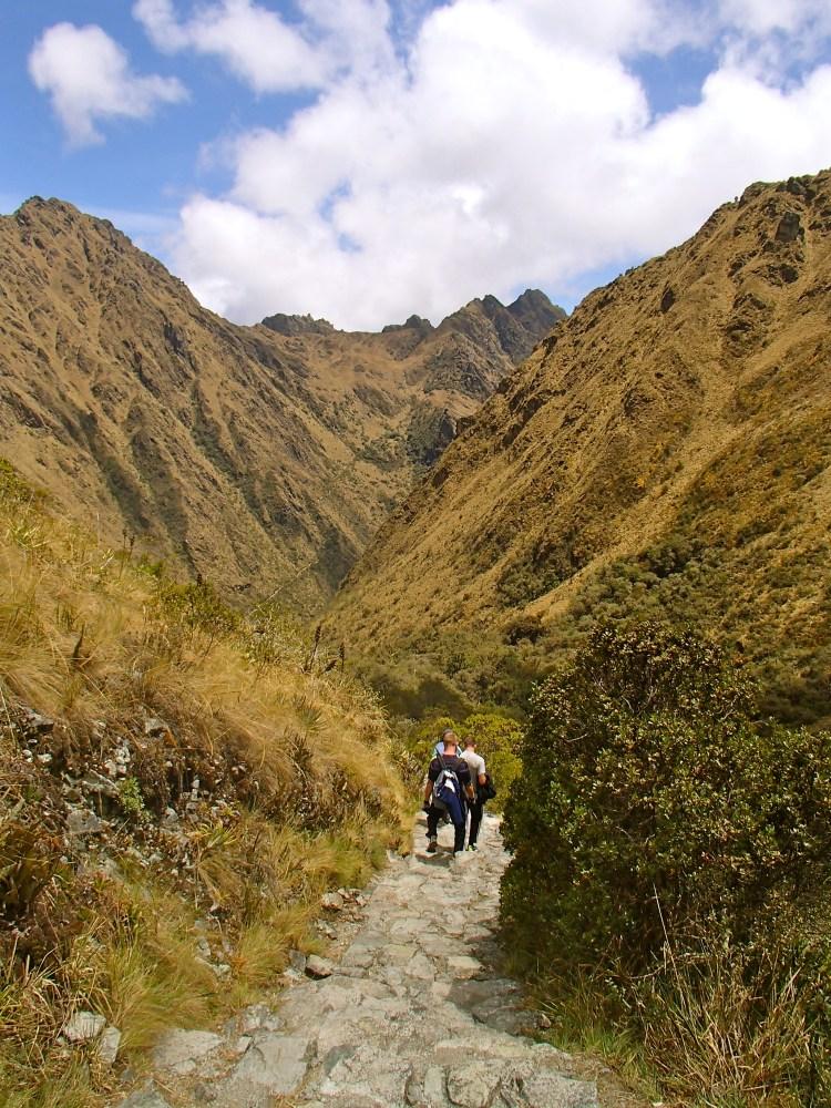 trekking the inca trail from cusco to machu picchu