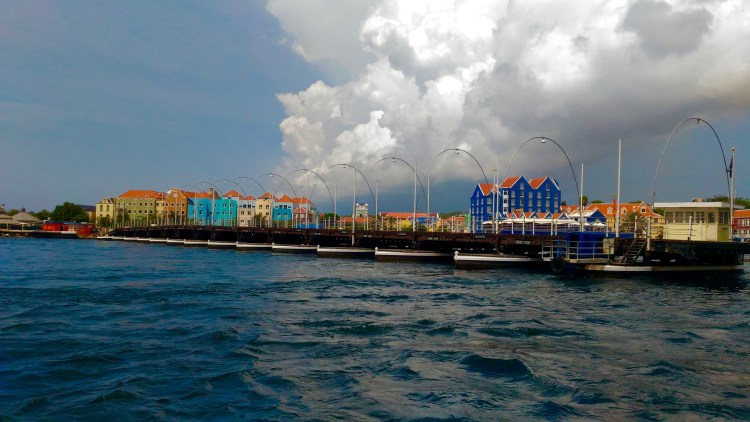 queen emma pontoon bridge in willemstad curacao what to see in curacao points of interest in willemstad