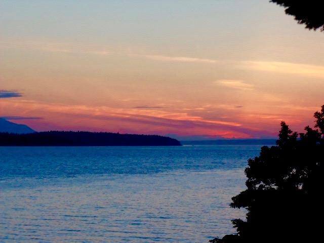 galiano island ferry sunsets in British columbia best places to watch sunset in British columbia