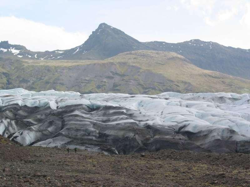 stop at Gletsjer IJsland Vatnajokull during your 7 day iceland road trip