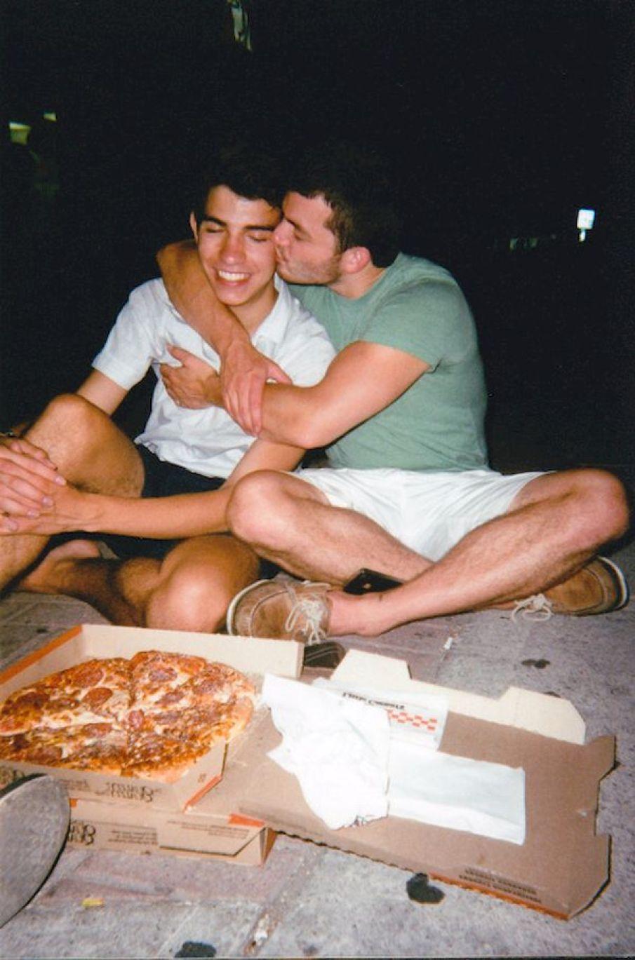 amateur-gay-couples-in-love-gay-kissing-real-amateur-sexy-men-boyfriend-gay-men-bi-seemybf-0001