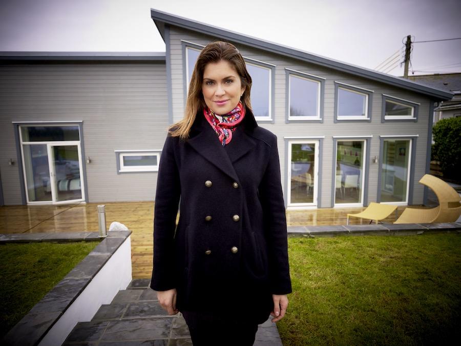 Amanda Lamb in Flat Pack Homes Series 3. Image: UKTV