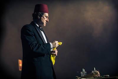 DAVID THRELFALL as Tommy Cooper. Picture: ITV/Photographer: ROBERT VIGLASKY