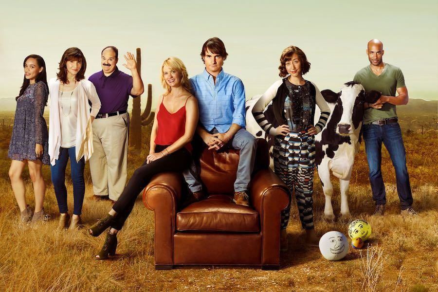 The Last Man On Earth - Series 1 - Picture Shows: L-R: Cleopatra Coleman as Erica, Mary Steenburgen as Gail, Mel Rodriguez as Todd, January Jones as Melissa Shart, Will Forte as Phil Miller and Kristen Schaal as Carol Pilbasian, the Cow and Phil Miller
