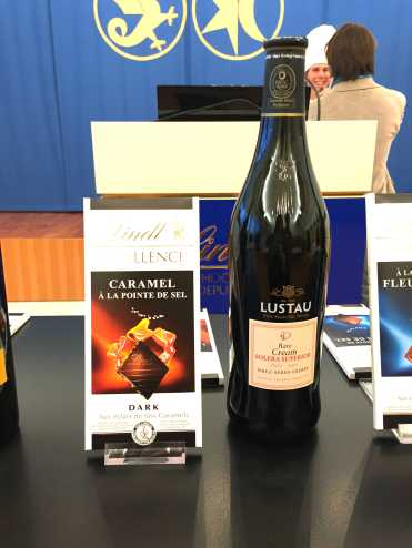 lindt-chocolate-caramel-a-la-pointe-de-sel-and-lustau-rare-cream-solera-superior-sherry-wine