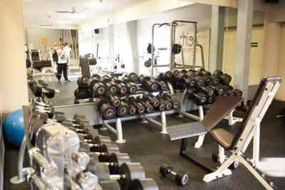 Kraftgeräte Muskelaufbau Hanteln