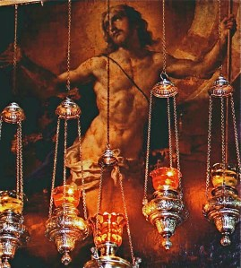 The resurrected Christ, a painting hanging above the entrance to the edicule (© Custodia Terrae Sanctae)