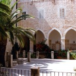 Sisters of Nazareth convent, whose courtyard covers an underground complex (© Nazareth360.com)