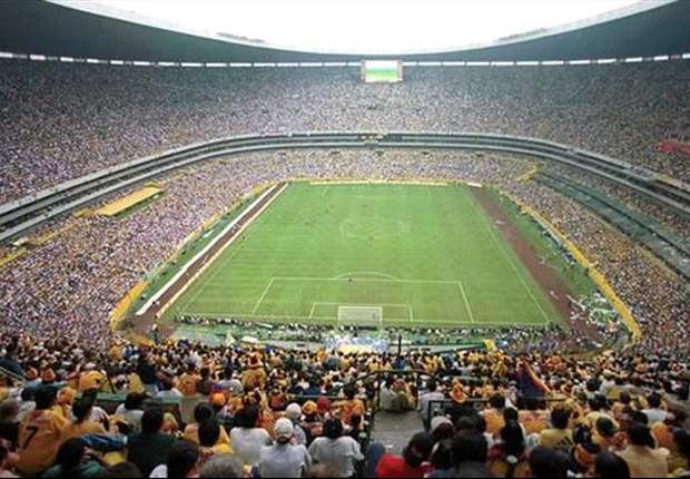 Aztec Stadium, a football field with a 105,064 supporter capacity