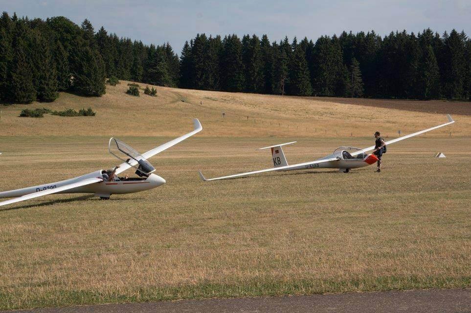 Segelflug Sontra Klippeneck Wettbewerb Sebastian nach der Landung