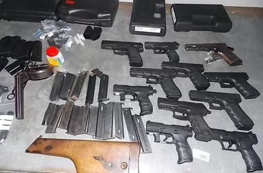 Украинца поймали на границе с 11 пистолетами Новости