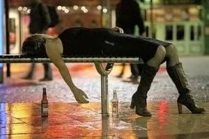 ragazza ubriaca - ragazza-ubriaca