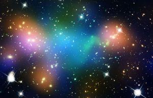 Trovate le tracce di una forza sconosciuta che rallenta la materia oscura