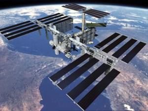 Ufo sigariforme ripreso dalla Stazione Spaziale Internazionale