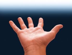 Primo trapianto al Mondo di mano bionica