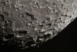 Minerali alieni sulla Luna