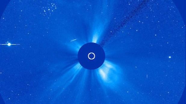 Nube di plasma solare colpisce la terra e provoca un eruzione?_article