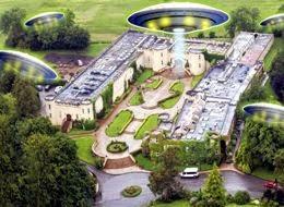 I piloti di tre aerei segnalano avvistamenti Ufo sul quartier generale di Scientology