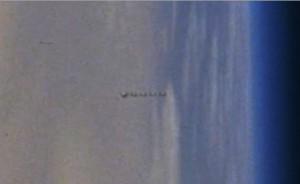 NASA: fotografati UFO nello spazio durante missione Shuttle STS 100