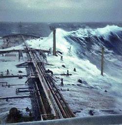 Onde anomale colpiscono la west coast degli Usa, ancora ignote le cause!