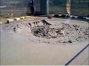 """Il mini-vulcano comparso a Fiumicino non è più tanto """"mini"""" [Video]"""