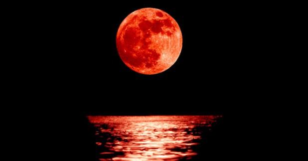 Luna Rossa, il 15 aprile prima eclissi dell'anno