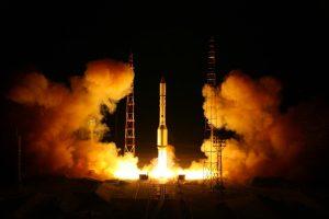 Il razzo vettore russo Protos precipita dopo il decollo