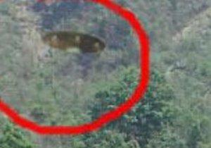 Turisti fotografano casualmente un Ufo