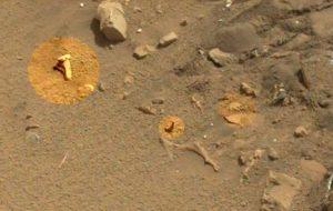 Curiosity fotografa una tibia su Marte
