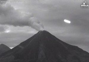 Avvistato ovni sopra il vulcano Colima