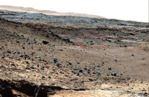 Sonda extraterrestre fotografata su Marte